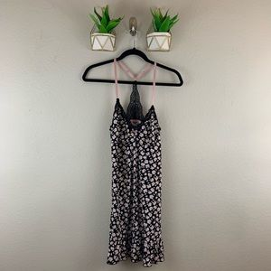 MARILYN MONROES Nightie Chemise Size Small floral